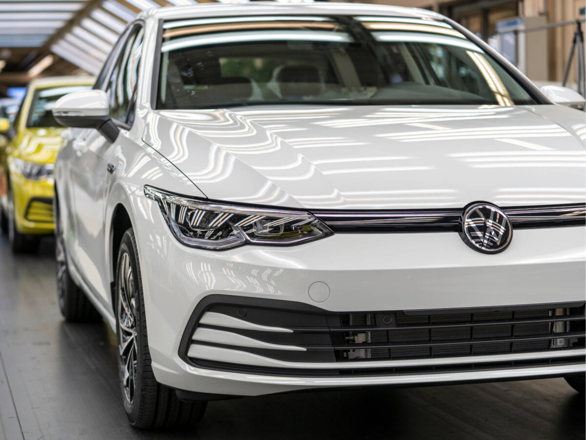 Volkswagen car deliveries fall 34 pct in May, Chinese market recovering