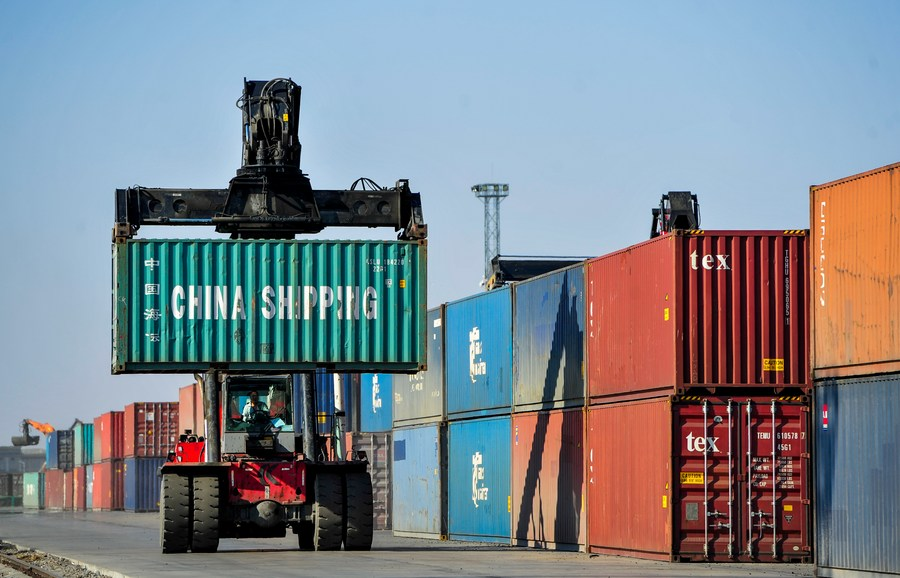 Border port of Erenhot in North China handles over 6,000 China-Europe freight trains