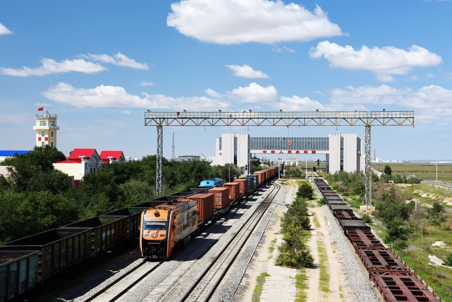 China-Mongolia border port sees record number of China-Europe freight trains