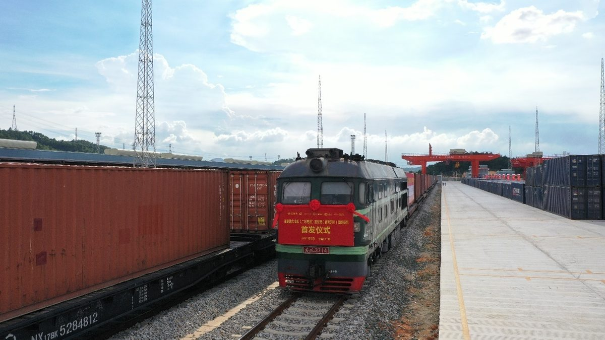 First freight-train service launched between Greater Bay Area, ASEAN