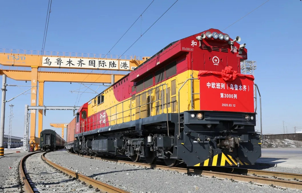 New railway laid to quicken Xinjiang's exchanges with Qinghai and beyond