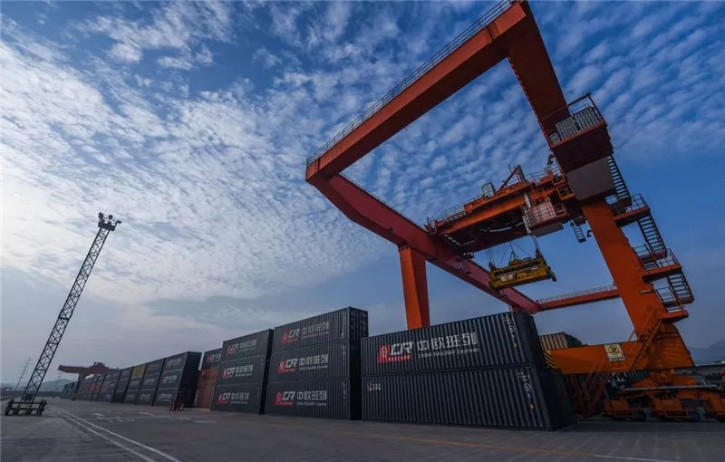 Expert: China expected to remain EU's largest trading partner in 2021
