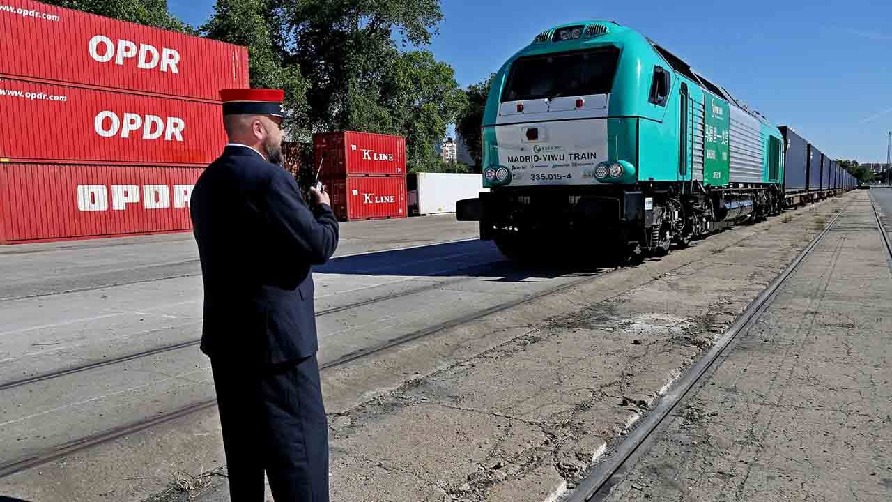 294 freight trains boom between Yiwu and Madrid this year