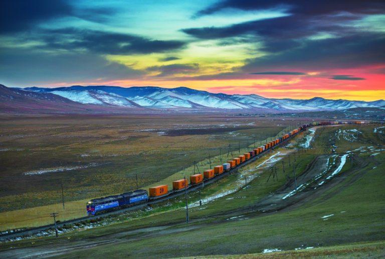 A freight train leaving from Zhengzhou
