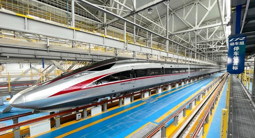 China debuts high-speed train for extremely low temperatures