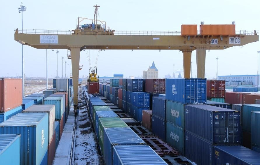 China's largest land port sees rising number of China-Europe freight trains