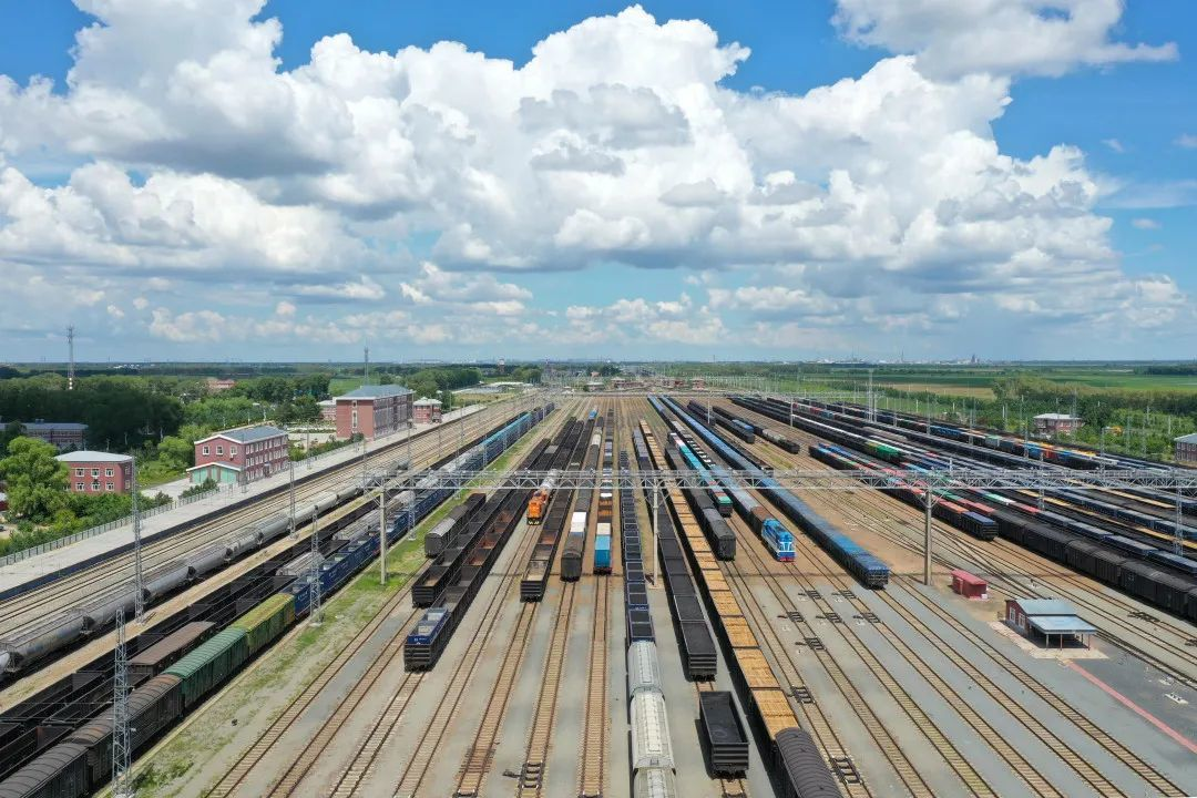 Data: China's rail freight volume up 4.1% in 2020